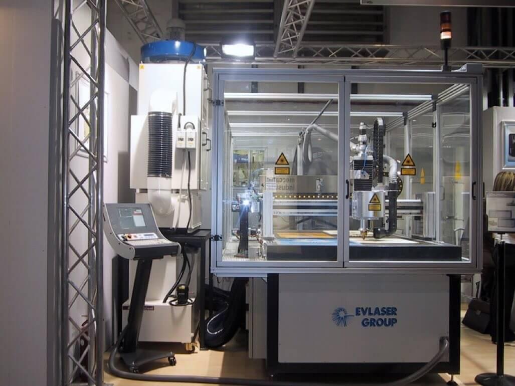 AR Filtrazioni | Filtri per aspirazione fumi laser, abbattimento odori incisioni, esalazioni taglio