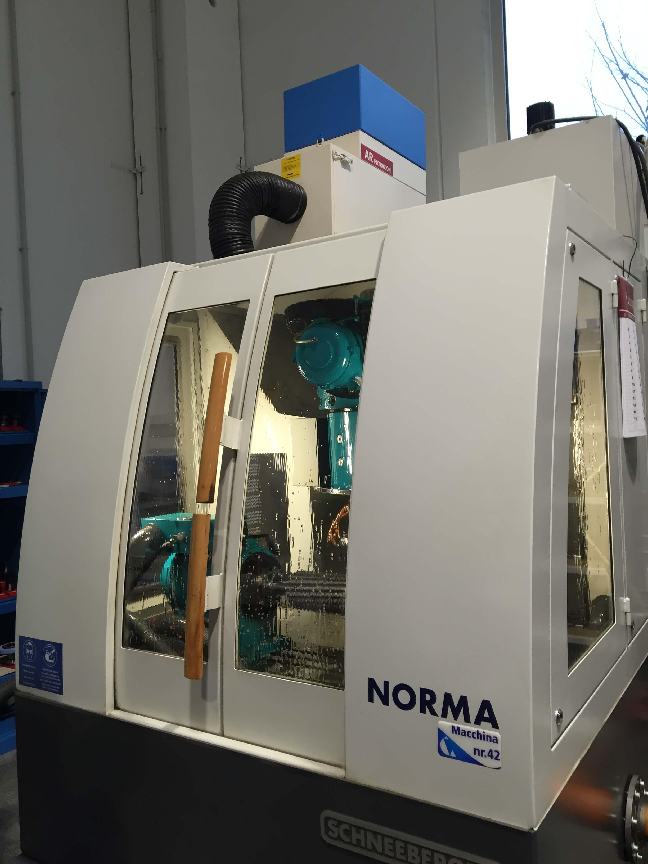 AR Filtrazioni è produttore di filtri per nebbie oleose e fumi derivanti da rettifiche e macchinari rettifica SHNEEBERG